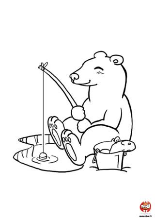Découvre un super coloriage gratuit d'un ours polaire en train de pêcher sur TFou.fr. Hé oui ! C'est bien connu les ours sont de redoutables pêcheurs ! La preuve avec cet ours polaire qui attrape du poisson avec sa canne à pêche. Apparemment ça mord, Ours a déjà attrapé un poisson !! Toi aussi tu aimerais bien pêcher comme Ours ? Va vite sur TFou.fr et imprime gratuitement ce coloriage pour enfants d'ours polaire. Equipe-toi de tes plus beaux crayons de couleur ou feutres et a toi de colorier !