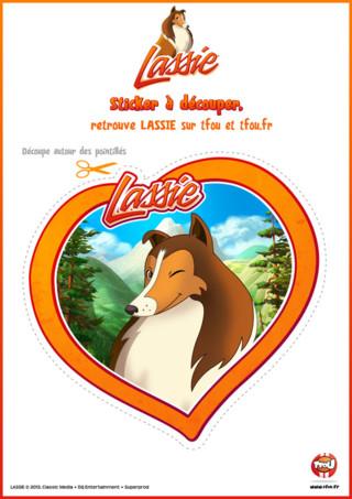 Tu aimes Lassie et sa bande de copains ? TFou.fr t'offre ce super sticker spécial Lassie à imprimer gratuitement. Découpe-les et colle-les où tu veux. Lassie, l'héroïne de la série, ainsi que Zoé sa meilleure amie, Harvey l'amoureux de Grand Mountain, Biff le chien de Madame Lee, Pica la pie, Looper le raton laveur et Houdini le hamster comptent sur toi pour imprimer et coller ce beau sticker. Si tu aimes ces stickers, va vite sur le site TFou.fr pour trouver d'autres stickers Lassie. Retrouve ton héros préféré Lassie sur TFou et TFou.fr