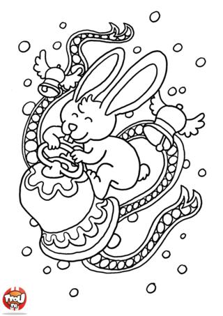 Coloriage : Ce magnifique petit lapin de Pâques sonne la Cloche ! Il veut te rappeler qu'il est temps d'aller chercher tous les chocolats de Pâques qui sont cachés dans le jardin ou dans la forêt. Tu adores partir à la chasse au chocolat le jour de Pâques ? Alors ce coloriage est parfait pour tes vacances de Pâques ! Imprime-le vite gratuitement sur TFou.fr et prends tes plus beaux crayons de couleur pour le décorer. Tu pourras ainsi gagner un maximum de points pour avoir toujours plus de badges héros gratuitement sur TFou.fr !