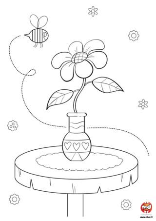 Bzzz...bzz...Sur TFou.fr, notre amie l'abeille butine des fleurs. Imprime ce coloriage gratuit pour enfant de fleur et aide l'abeille à avoir un super goûter. En effet, pour préparer un délicieux miel, l'abeille butine cette jolie fleur. Mais pour que ce miel soit bon pour tes tartines, l'abeille a besoin de ton aide. Prend tes crayons et colorie la fleur selon le goût de miel que tu désires ! Jaune pour un miel citronné, rose pour une saveur framboise... ou de toutes les couleurs pour un miel tutti-frutti !