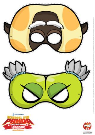 Imprime ton masque, découpe-le et colle-le sur un support cartonné, te voilà maintenant déguisé en l'un des 5 cyclones !