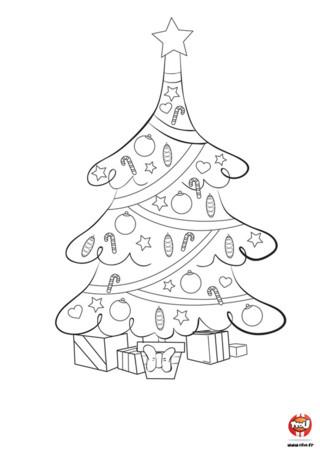Mon beau sapiiiiiin, roi des forêêêêêts...enfin, quand il a toutes ses couleurs ! Alors vite, Imprime ce joli coloriage gratuit pour enfant spécial Noël sur Tfou.fr et redonne des couleurs à ce sapin pour qu'il soit le plus beau pour accueillir les cadeaux du Père Noël. Ce sapin est décoré de belles étoiles, de petits coeurs, de sucres d'orges et de boules de toutes les couleurs. A son sommet, une étoile brillante est posée pour le rendre éclatant de beauté.