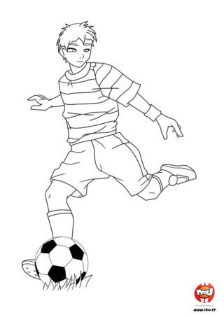 Coloriage : L'enfant fait une passe. Colorie ce coloriage aux couleurs de ton équipe favorite ! Tu peux l'imprimer gratuitement et autant de fois que tu le souhaites sur TFou.fr