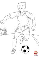 L'enfant joue au foot