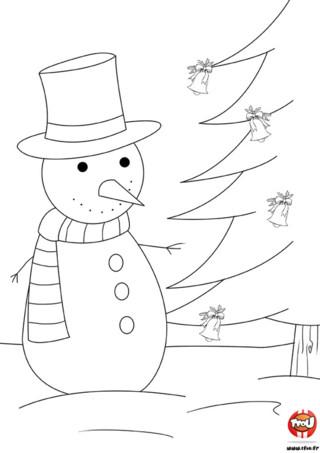 Coloriage : Le bonhomme de neige attend Noël avec impatience. Il a déjà préparé son sapin de Noël avec de jolies boules de Noël. Colorie vite sur TFou.fr !