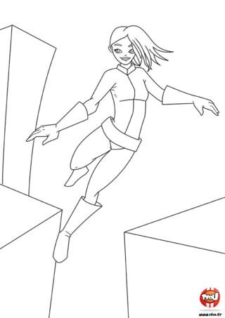 Coloriage : L'espionne qui saute. Toi aussi tu aimerais sauter d'immeubles en immeubles et avoir des super pouvoirs ? Alors imprime vite ce coloriage de super héros gratuitement sur TFou.fr.