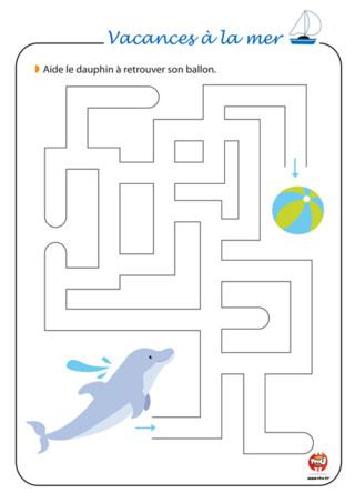 Activité : Sauras-tu relever le défi du labyrinthe ? Ce petit dauphin a perdu son ballon pour jongler. Aide-le à remonter le bon chemin du labyrinthe pour retrouver son ballon. Imprime vite ce jeu du labyrinthe à imprimer gratuitement sur TFou.fr. Si tu adores le thème des vacances à la mer, retrouve plein d'autres activités à imprimer sur TFou.fr. Tout est gratuit ! Profite vite de tes vacances pour colorier, découper, décorer tous les jeux vacances à la mer de TFou.fr.