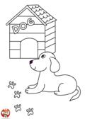 un chien devant sa niche