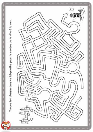 Activité : Labyrinthe voiture. Retrouve le chemin à prendre pour partir en vacances à la mer. imprime ton labyrinthe gratuitement sur TFou.fr.