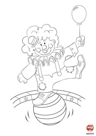 Regarde comme ce clown a l'air sympa ! Imprime ce coloriage gratuit pour enfant sur TFou.fr et éclates-toi avec ce super clown. Il est très agile et peut danser la polka sur un gros ballon. Il lève un pied puis l'autre tout en cadence, en tenant dans une main un autre ballon. Il est très mignon ce clown avec ses joues rouges, son grand sourire et son chapeau sur la tête. Ce qu'il souhaite c'est que tu imprimes ce coloriage gratuit sur TFou.fr et que tu lui mettes tes couleurs préférées !