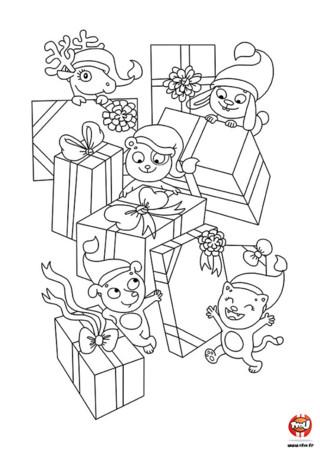 Coloriage : Les lutins ont préparé tous les cadeaux de Noël et sont prêts pour célébrer la plus jolie fête de l'année. Imprime et colorie ce joli coloriage.