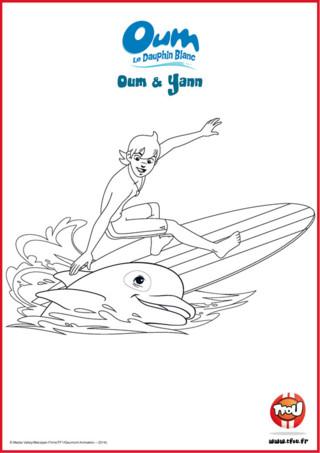 Prêt pour une activité coloriage? Yann adore surfer avec son meilleur ami Oum sur les vagues de l'océan. Le sais-tu? En imprimant gratuitement ce coloriage de tes héros TFou tu pourras gagner plein de Tfizz ainsi qu'un badge Oum le Dauphin Blanc!